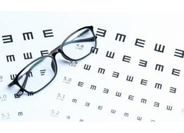 Почему важно посещать офтальмолога детям?
